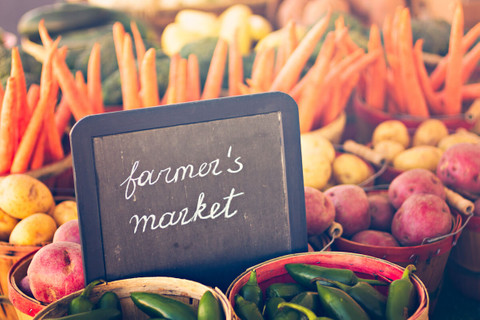5 Reasons to Shop at Your Local Farmers' Market