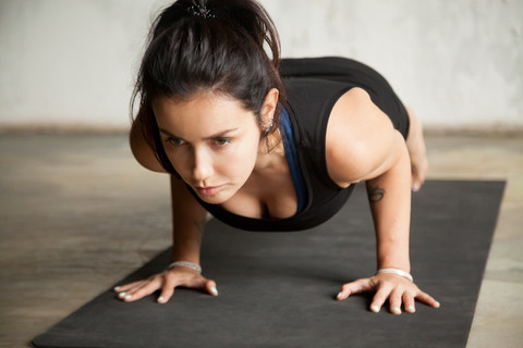 5 shoulder exercises for women to do at home