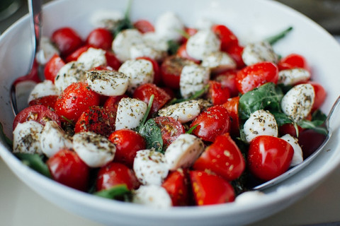 What are the benefits of the Mediterranean diet?